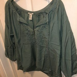 FOREVER 21 PEASANT EMBROIDERED TOP